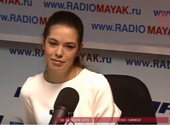 Вера Красова в студии Радио Маяк